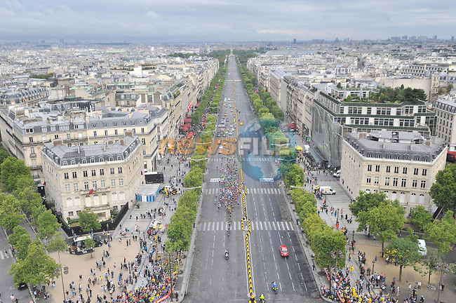 Team Sky lead the peloton on the Champs Elysees in Paris   during Stage 21 of the 2015 Tour de France running 109.5km from Sevres to Paris - Champs Elysees, France. 26th July 2015.<br /> Photo: ASO/X.Bourgois/Newsfile