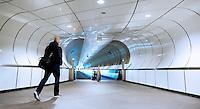 Metro voetgangerstunnel in Rotterdam bij halte Wilhelminaplein