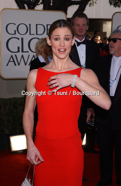 Jennifer Garner arrives at the 2002 Golden Globe Awards at the Beverly Hilton Hotel on Sunday, January 20, 2002.           -            GarnerJennifer07.jpg