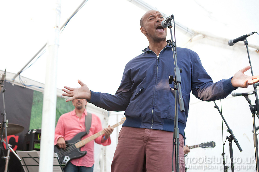 Roland Gift at mOare Music 2012