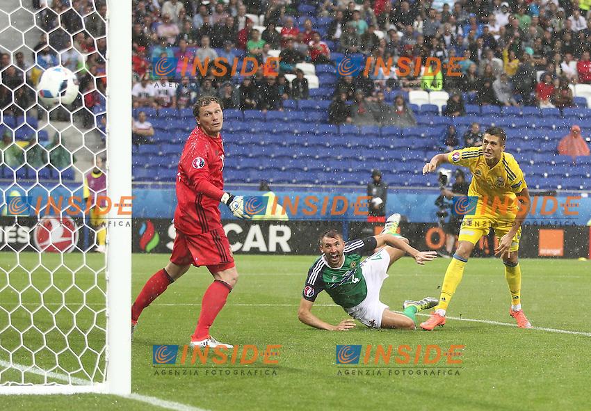 Gareth McAuley of Northern Ireland scores the opening goal <br /> Lyon 16-06-2016 Stade de Lyon Euro2016 Ukraine - Northern Ireland / Ucraina - Irlanda del Nord Group Stage Group C. Foto BPI / Imago / Insidefoto