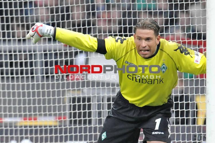 FBL 2008/2009 24. Spieltag Rueckrunde<br />  Werder Bremen - VFB Stuttgart<br /> <br /> Keeper Tim Wiese ( Bremen GER #1)<br /> <br /> Foto &copy; nph (nordphoto )