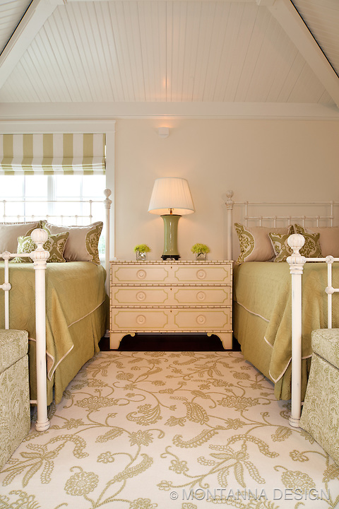 Beach houses are all about guest bedrooms, and everyone loves to visit the beach.<br /> Two queen beds provide just that - lots of room for overnight guests.