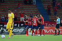 MEDELLÍN - COLOMBIA, 10-08-2017: Danilson Cordoba jugador del Medellín celebra con sus compañeros después de anotar un gol al Cali durante el partido de ida entre Independiente Medellín y Independiente Santa Fe por los cuartos de final de la Copa Águila 2017 jugado en el estadio Atanasio Girardot de la ciudad de Medellín. / Danilson Cordoba player of Medellin celebrates with his teammates after scoring a goal to Nacional during first leg match between Independiente Medellin and Independiente Santa Fe for the finals quater of the Aguila Cup 2017 played at Atanasio Girardot stadium in Medellin city. Photo: VizzorImage/ León Monsalve / Cont