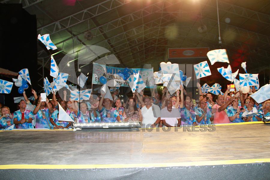 RIO DE JANEIRO, RJ, 07.11.2014 – SEMIFINAL REI MOMO DO CARNAVAL 2015 – REI MOMO DO CARNAVAL 2015 , A Semifinal da eleição do Rei Momo do carnaval 2015 na cidade do samba ,  na zona portuaria do  Rio de Janeiro, nesta sexta,  07 (foto: Márcio Cassol/Brazil Photo Press)
