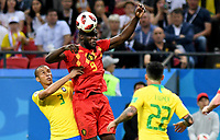 KAZAN - RUSIA, 06-07-2018: MIRANDA (C) (Izq) jugador de Brasil disputa el balón con Romelu LUKAKU (Der) jugador de Bélgica durante partido de cuartos de final por la Copa Mundial de la FIFA Rusia 2018 jugado en el estadio Kazan Arena en Kazán, Rusia. / MIRANDA (C) (L) player of Brazil fights the ball with Romelu LUKAKU (R) player of Belgium during match of quarter final for the FIFA World Cup Russia 2018 played at Kazan Arena stadium in Kazan, Russia. Photo: VizzorImage / Julian Medina / Cont