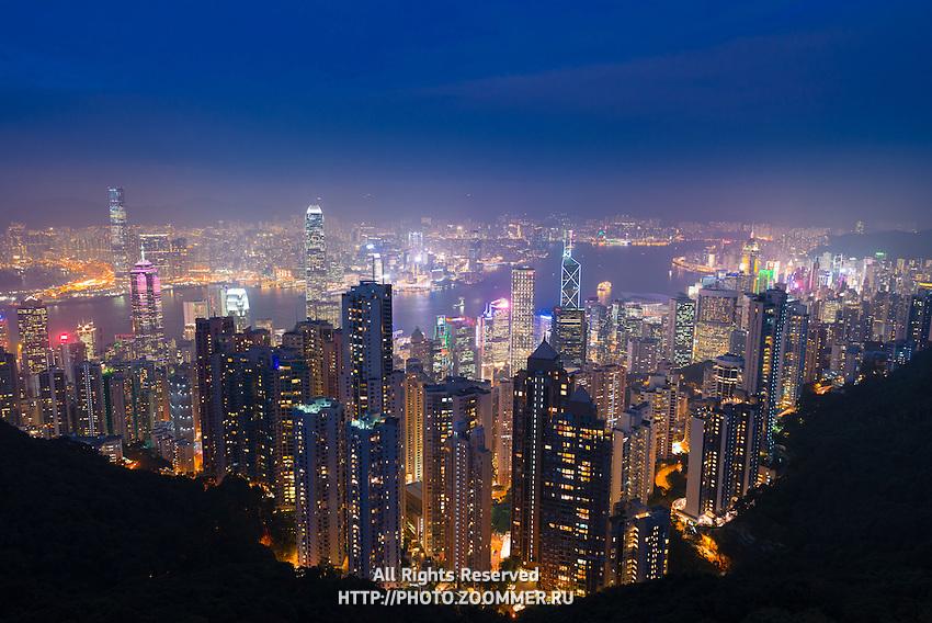 Hong Kong panorama from Victoria peak at night