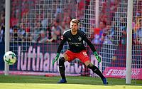 12.05.2018, Football 1. Bundesliga 2017/2018, 34.  match day, FC Bayern Muenchen - VfB Stuttgart, in Allianz-Arena Muenchen. goalkeeper Ron Robert Zieler (Stuttgart). *** Local Caption *** © pixathlon<br /> <br /> +++ NED + SUI out !!! +++<br /> Contact: +49-40-22 63 02 60 , info@pixathlon.de