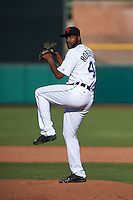 Scottsdale Scorpions pitcher Montreal Robertson (40) delivers a pitch during an Arizona Fall League game against the Surprise Saguaros on October 22, 2015 at Scottsdale Stadium in Scottsdale, Arizona.  Surprise defeated Scottsdale 7-6.  (Mike Janes/Four Seam Images)