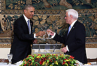 Pictured L-R: US President Barack Obama and Greek President Prokopis Pavlopoulos. Tuesday 15 November 2016<br /> Re: US President Barack Obama attends official stat banquet at the Presidential Mansion during his visit to Athens Greece