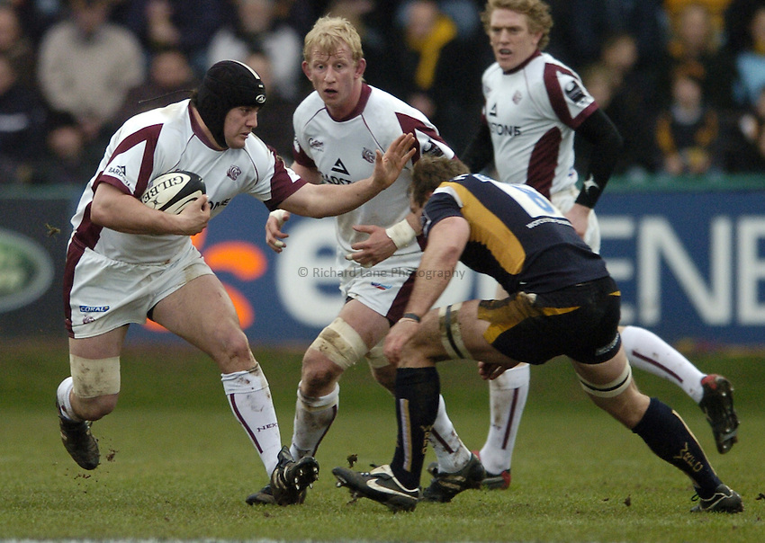 Photo: Jonathan Butler..Worcester Warriors v Leicester Tigers. Guinness Premiership. 17/02/2007..Marcos Ayerza of Leicester attacks.