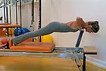 Academia de terapia corporal pilates. Rio de Janeiro. 2006. Foto de Ricardo Azoury.