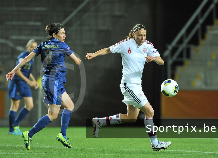 France - Denmark : Mariann Knudsen (6) en Elise Bussaglia (8)<br /> foto David Catry / nikonpro.be