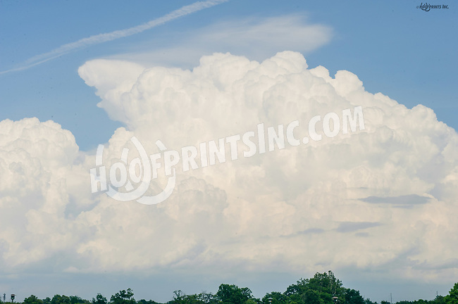 clouds at Delaware Park on 7/17/17