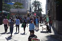SÃO PAULO, SP, 08.08.2019 - CLIMA-SP - Tarde de sol e calor, com temperatura na casa dos 30°, na região da Avenida Paulista, nesta quinta-feira, 8. (Foto Charles Sholl/Brazil Photo Press)
