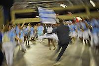 RIO DE JANEIRO, RJ, 12 DE FEVEREIRO DE 2012 - CARNAVAL RIO 2012 -  A Escola de Samba Beija-Flor de Nilópolis, realizando o último ensaio técnico de luz e som do novo Sambódromo do Rio, que também será utilizado nos Jogos Olímpicos, e que após reformas recebeu o traçado original projetado por Oscar Niemeyer há quase 30 anos. <br /> FOTO GLAICON EMRICH - NEWS FREE.
