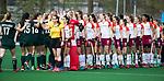 ALMERE - Hockey - Overgangsklasse competitie dames ALMERE- ROTTERDAM (0-0) .  scheidsrechters Yrma Storm van 's Gravesande Peter Witké , shake hands.  COPYRIGHT KOEN SUYK