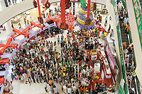December 27, 2015 - Phnom Penh (Cambodia). People queue for a Christmas draw at Aeon Mall, one of the biggest and more modern mall in the capital. Cambodia has undergone rapid economic development in recent decades. However, the country still lacks the infrastructure required for the energy sector to match the pace of development and the capital Phnom Penh consumes 90% of Cambodia's electricity. © Thomas Cristofoletti / Ruom