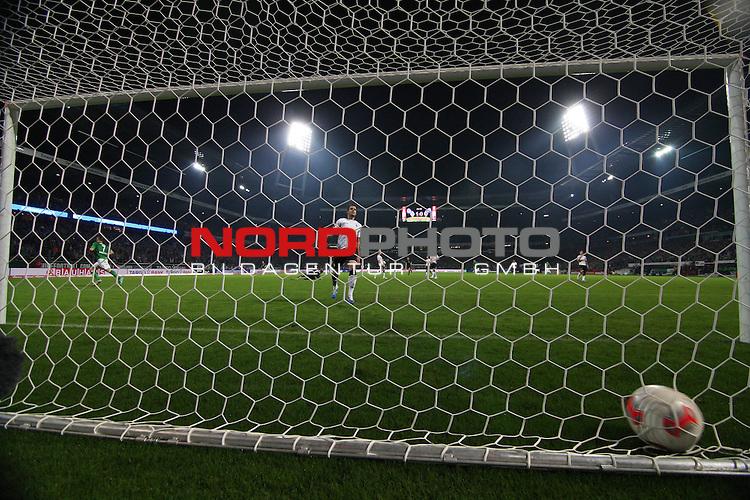 20.10.2012, Weser Stadion, Bremen, GER, 1.FBL, Werder Bremen vs Borussia Moenchengladbach, im Bild Tor zum 2:0<br /> Foto &copy; nph / Kokenge *** Local Caption ***