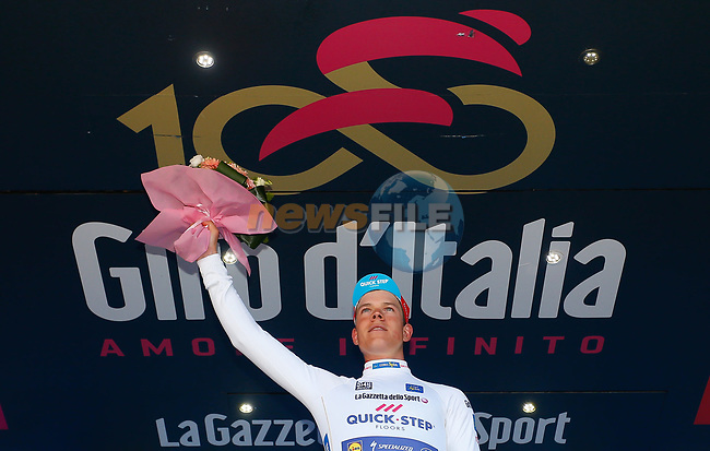 Bob Jungels (LUX) Quick-Step Floors retains the young riders Maglia Bianca at the end of Stage 5 of the 100th edition of the Giro d'Italia 2017, running 159km from Pedara to Messina, Sicily, Italy. 10th May 2017.<br /> Picture: LaPresse/Simone Spada | Cyclefile<br /> <br /> <br /> All photos usage must carry mandatory copyright credit (&copy; Cyclefile | LaPresse/Simone Spada)