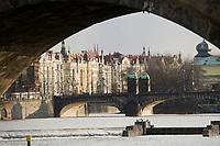Europe/République Tchèque/Prague: Facades de maisons Baroque sur les quais de la Vlatva