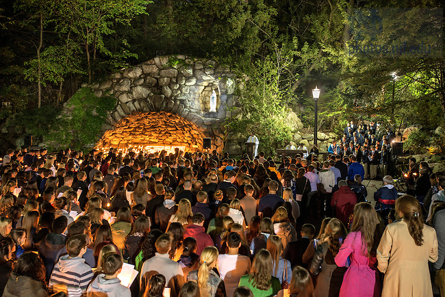 May 15, 2014; Seniors gather at the Grotto for their last visit before the 2014 Commencement. Photo by Barbara Johnston/University of Notre Dame