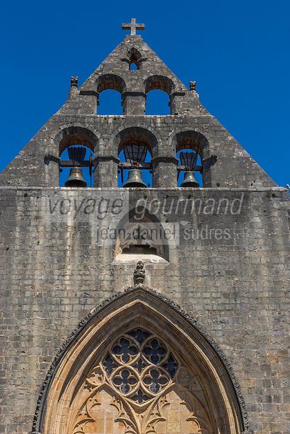 France, Lot, (46), Montcabrier: l' Église Saint-Louis , le clocher mur // France, Lot, Montcabrier: Saint-Louis church, the tower wall