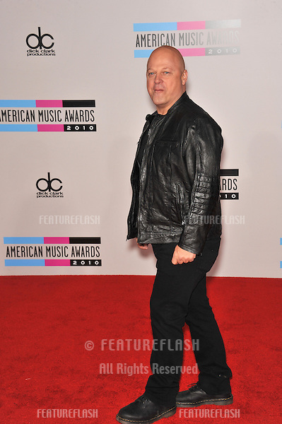 Michael Chiklis at the 2010 American Music Awards at the Nokia Theatre L.A. Live in downtown Los Angeles..November 21, 2010  Los Angeles, CA.Picture: Paul Smith / Featureflash