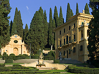 Italien, Umbrien, bei Spello: Villa Fidelia mit Park - Besichtigung moeglich (Eintritt) | Italy, Umbria, near Spello: Villa Fidelia with Park - open to public (entrance fee)