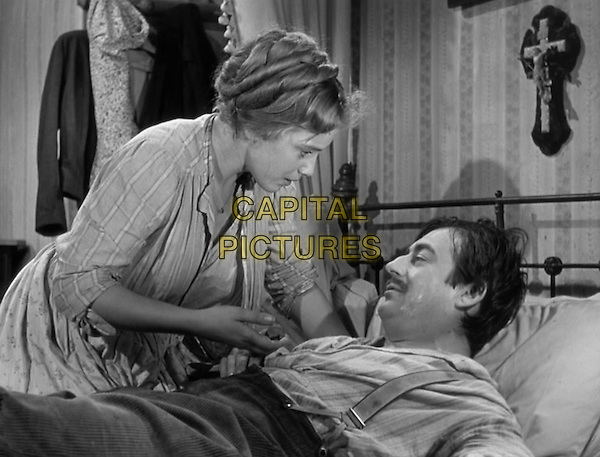 Maria Schell, Francois Perier <br /> in Gervaise (1956) <br /> *Filmstill - Editorial Use Only*<br /> CAP/NFS<br /> Image supplied by Capital Pictures