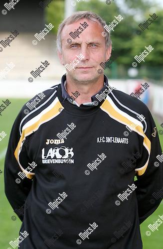 2009-08-01 / Seizoen 2009-2010 / Voetbal / Sint Lenaarts / Hulptrainer Marc Slootmans..Foto: Maarten Straetemans (SMB)