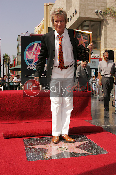 Rod Stewart<br />at the Ceremony Honoring him with a star on the Hollywood Walk of Fame. Hollywood Boulevard, Hollywood, CA. 10-11-05<br />Dave Edwards/DailyCeleb.com 818-249-4998