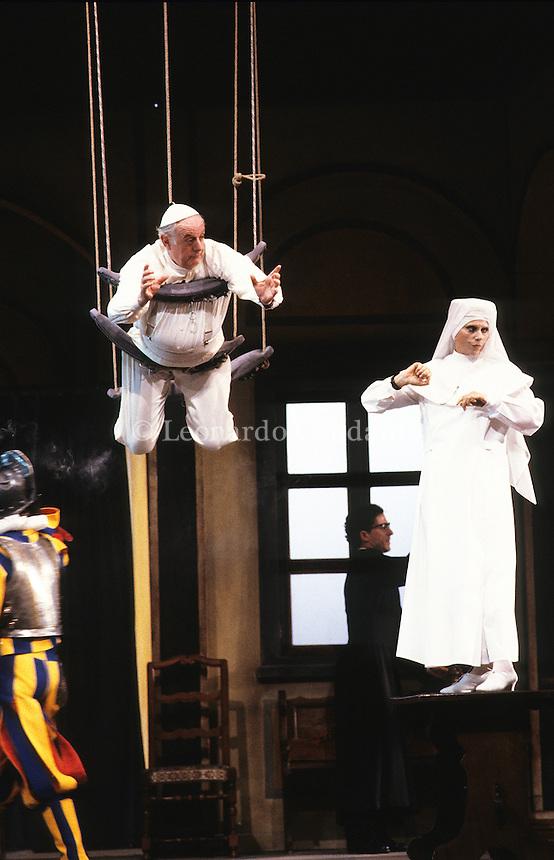 Milano, Italy, Dario Fo e Franca Rame, in ( Il papa e la strega ) © Leonardo Cendamo