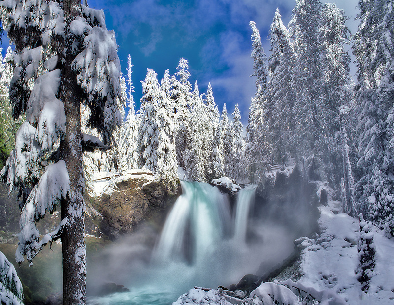 Sahalie Falls with snow. Willamette National Forest. Oregon.