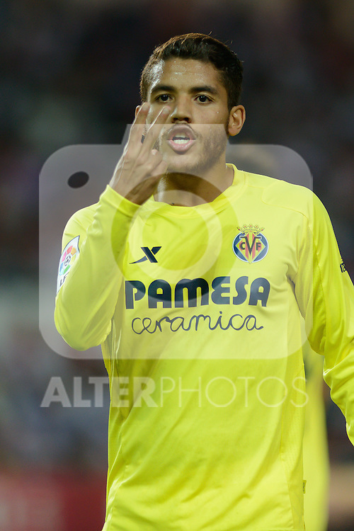 J. Dos Santos Villarreal protest a refereeing decision during the match between Sevilla FC and Villarreal day 9 spanish  BBVA League 2014-2015 day 5, played at Sanchez Pizjuan stadium in Seville, Spain. (PHOTO: CARLOS BOUZA / BOUZA PRESS / ALTER PHOTOS)