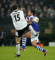 FUSSBALL   EUROPA LEAGUE   SAISON 2011/2012  SECHZEHNTELFINALE FC Schalke 04 - FC Viktoria Pilsen                          23.02.2012 Frantisek Sevinsky (li, Pilsen) gegen Raul (re, FC Schalke 04)