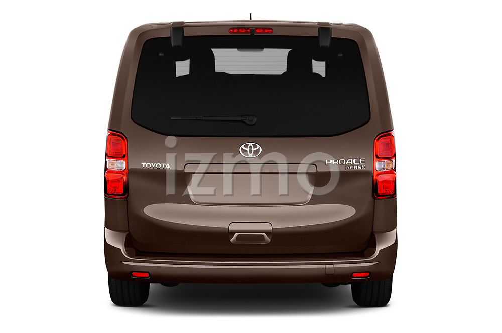 Straight rear view of 2018 Toyota Proace-Verso MPV 5 Door Minivan Rear View  stock images