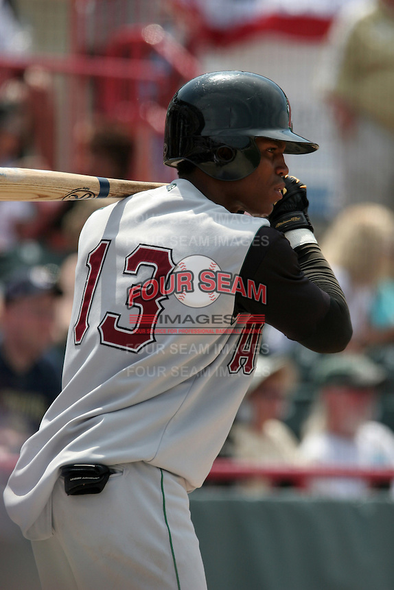 Altoona Curve Javier Guzman during an Eastern League game at Jerry Uht Park on May 28, 2006 in Erie, Pennsylvania.  (Mike Janes/Four Seam Images)