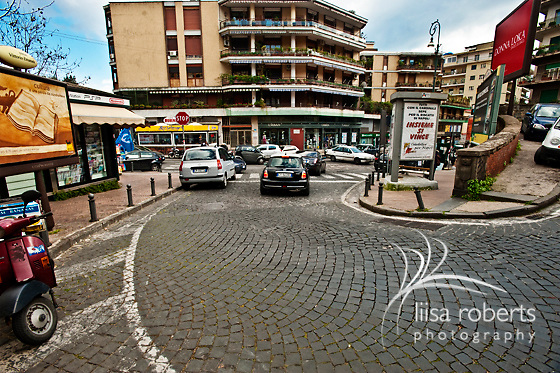 House hunting in downtown Naples, Italy