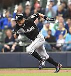 Ichiro Suzuki (Marlins), APRIL 29, 2016 - MLB : Miami Marlins' Ichiro Suzuki runs during a baseball game on April 29, 2016 in Milwaukee. (Photo by AFLO)