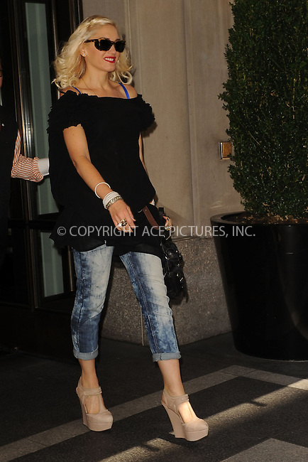 WWW.ACEPIXS.COM . . . . . .September 14, 2010, New York City....Gwen Stefani running errands  on September 14, 2010 in New York City....Please byline: KRISTIN CALLAHAN - ACEPIXS.COM.. . . . . . ..Ace Pictures, Inc: ..tel: (212) 243 8787 or (646) 769 0430..e-mail: info@acepixs.com..web: http://www.acepixs.com .