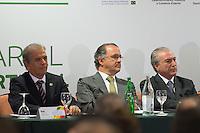 LISBOA, PORTUGAL, 20 DE ABRIL 2015 - FORÚM EMPRESARIAL BRASIL-PORTUGAL - Edinho Araújo (E), Ministro Brasileiro dos Portos, Pires de Lima (C), Ministro Português da Economia e Michel Temer (D), Vice-Presidente Brasileiro, durante o Forúm Empresarial Brasil-Portugal, em Lisboa, Portugal. (Foto: Bruno de Carvalho - Brazil Photo Press)