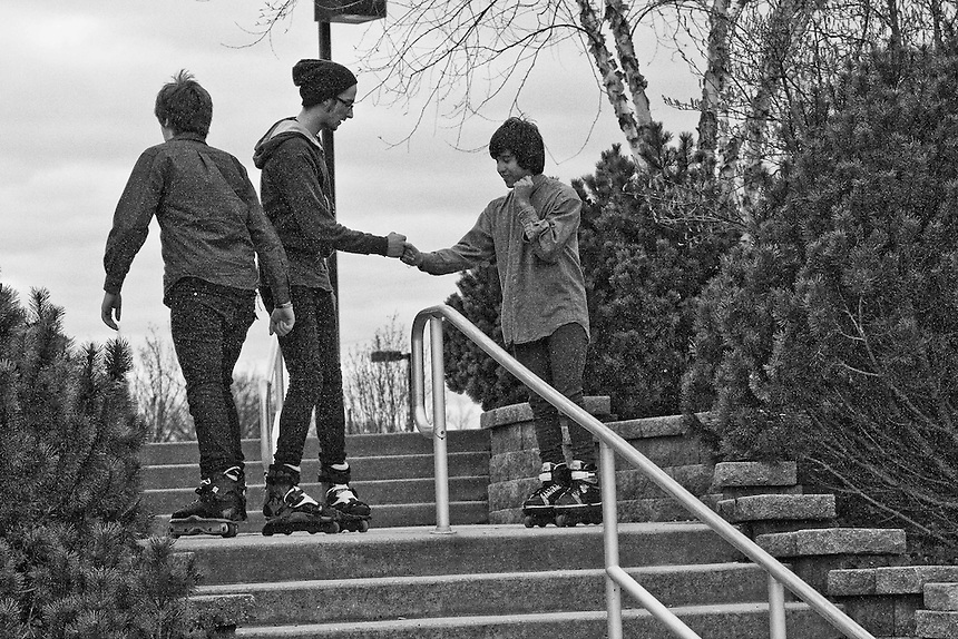 Features a group of teen age boys performing roller blades stunts and tricks at a local park. they used a staircase and its railings for their stunts. Needless to say, some of the things they did were potentially very dangerous.