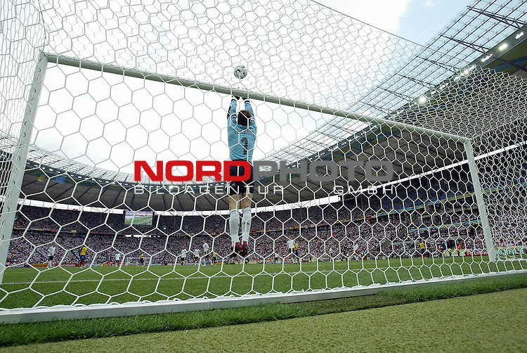 FIFA WM 2006 - Gruppe A ( Group A )<br /> <br /> Play #33 (20-Jun) - Ecuador vs Germany.<br /> <br /> Goalkeeper Jens Lehmann from Germany catches the ball during the match of the World Cup in Berlin.<br /> <br /> Foto &copy; nordphoto