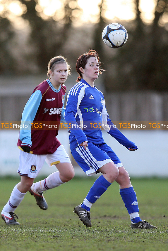 Billericay Town Ladies vs West Ham United Ladies - Essex FA Women's Cup Quarter-Final at New Lodge, Billericay - 15/01/12 - MANDATORY CREDIT: Gavin Ellis/TGSPHOTO - Self billing applies where appropriate - 0845 094 6026 - contact@tgsphoto.co.uk - NO UNPAID USE.