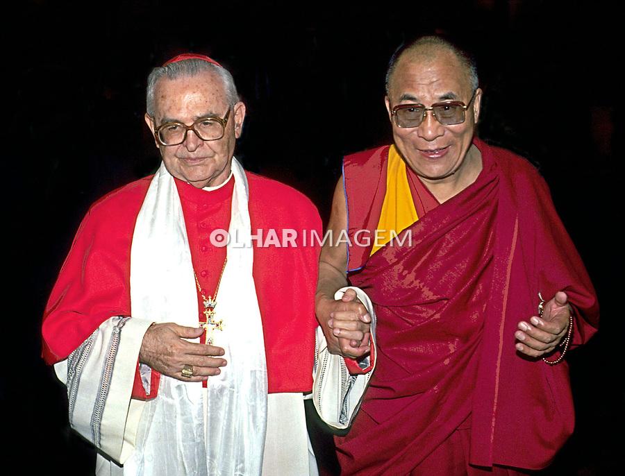 Pessoa. Personalidade. Dalai Lama com Dom Paulo Evaristo Arns. SP. 1992. Foto de Juca Martins.