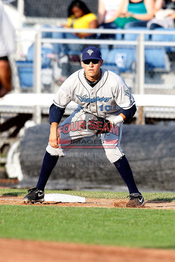 July 16, 2009:  First Baseman Justin Bloxom of the Vermont Lake Monsters during a game at Russell Diethrick Park in Jamestown Jammers, NY.  The Lake Monsters are the NY-Penn League Short-Season Class-A affiliate of the Washington Nationals.  Photo By Mike Janes/Four Seam Images