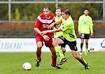 2017-11-05 / voetbal / seizoen 2017-2018 / VC Herentals - Hoeilaart / een duel om de bal tussen Birger De Swert (l) (VC Herentals) en Jeroen Van Tricht (r) (Hoeilaart)
