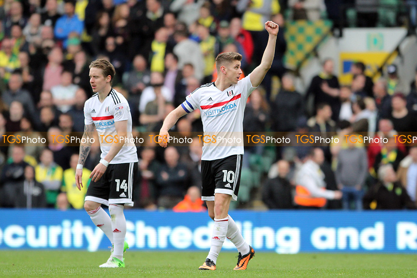 Tom Cairney of Fulham celebrates scoring his penalty during Norwich City vs Fulham, Sky Bet EFL Championship Football at Carrow Road on 14th April 2017