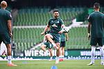 Claudio Pizarro (Werder Bremen) beim Aufwaermen.<br /><br />Sport: Fussball: 1. Bundesliga:: nphgm001:  Saison 19/20: 34. Spieltag: SV Werder Bremen - 1. FC Koeln, 27.06.2020<br /><br />Foto: Marvin Ibo Güngör/GES/Pool/via gumzmedia/nordphoto